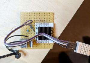 Überarbeitete Sensorschaltung auf Lachrasterplatine Oberseite